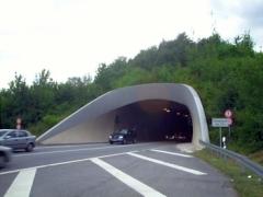 Nachts und am Wochenende ist der Saukopftunnel zu