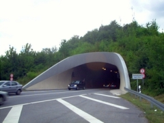 Regierungspräsidium feiert neue Freiheit des Saukopftunnels – und sperrt ihn erneut