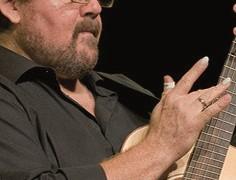 Aufregende Arrangements zweier Gitarrengenerationen